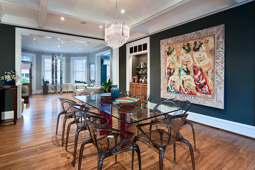 Dining room palette showcases the owners' love of art; photo credit: Brian Krebs/Fred Forbes Photogroupe